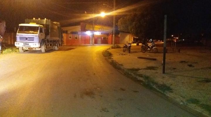 #Motorista invade calçada, atropela 3 garis, não presta socorro e foge em Cuiabá