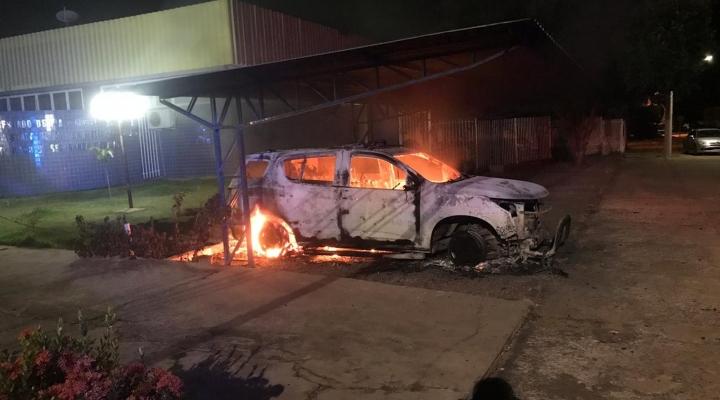 #Adolescentes são suspeitos de incendiar viatura da polícia depois de serem detidos em MT
