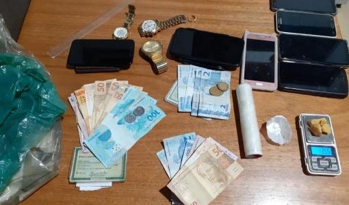 Em Juara, sete suspeitos são presos e 'boca de fumo' desmontada pela PM