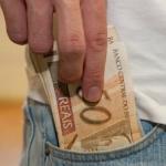Senado aprova aumento do salário mínimo para R$ 1.045