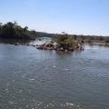 Criança e avô caem de barco e desaparecem em rio em Juara