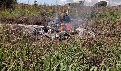 Quatro jogadores e presidente do Palmas morrem em acidente aéreo