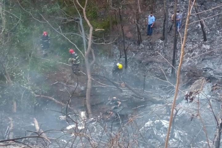 Quatro pessoas morreram carbonizadas em queda de avião em MT, diz bombeiros